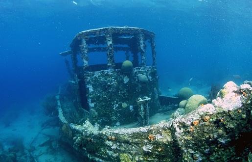 затонувшие корабли в Ялте.